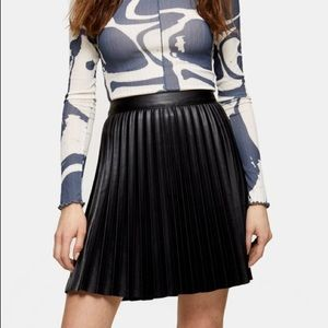 TOPSHOP Black Pleated PU Mini Skirt